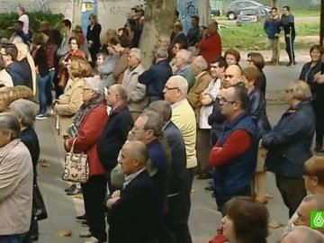 Cientos de personas acuden al homenaje de las víctimas del accidente del rally de A Coruña