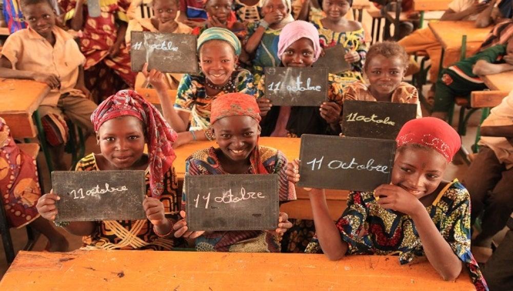 Niñas en Nigeria conmemorando el 11 de octubre, el día mundial de la niña