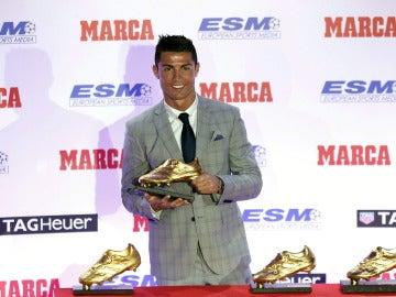 Cristiano Ronaldo con su cuarta Bota de Oro