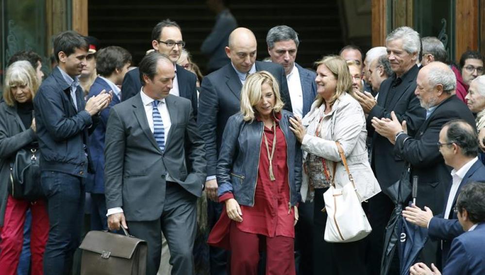 Joana Ortega a la salida del TSJC tras cu comparecencia ante el juez como imputada por el 9-N