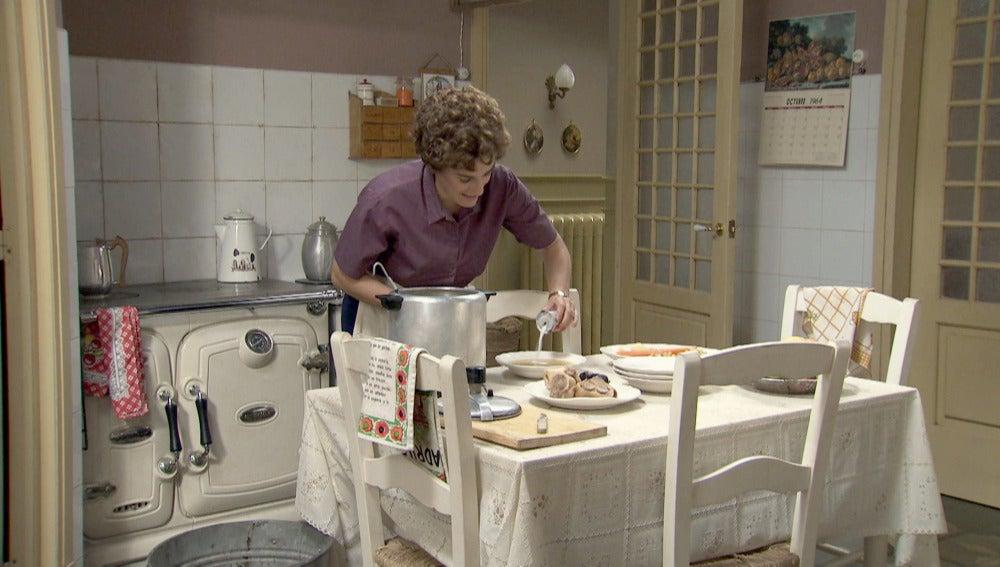 Benigna envenena la comida de Máximo