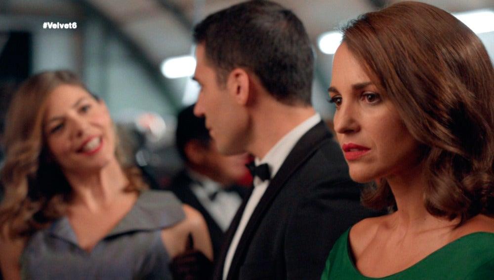 """Cristina aparece en la fiesta dispuesta a humillar a Ana: """"Sara fue amante de Alberto"""""""