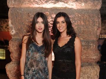 Blanca Romero junto a su hija Lucía Rivera