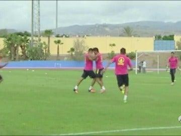 Frame 6.211464 de: David Simón y Aythami se pelean durante el entrenamiento de Las Palmas