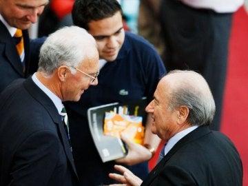 Franz Beckenbauer y Joseph Blatter en 2006