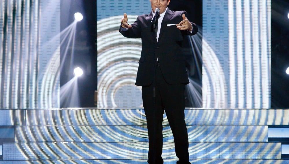 Manu Tenorio imita a Frank Sinatra