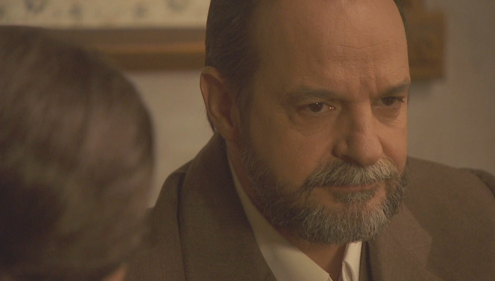 Raimundo no puede disimular su desagrado con Francisca