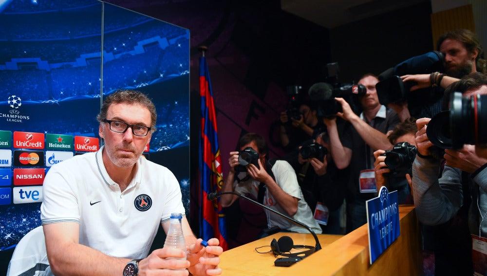 Laurent Blanc, técnico del PSG, en rueda de prensa