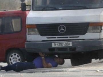 Un colono israelí atropellado por un camión