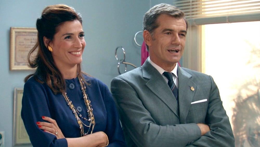 Adela y el Dr. Martos