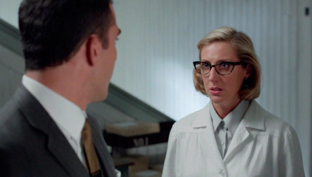 Rita le pide explicaciones a Alberto sobre el paradero de Ana