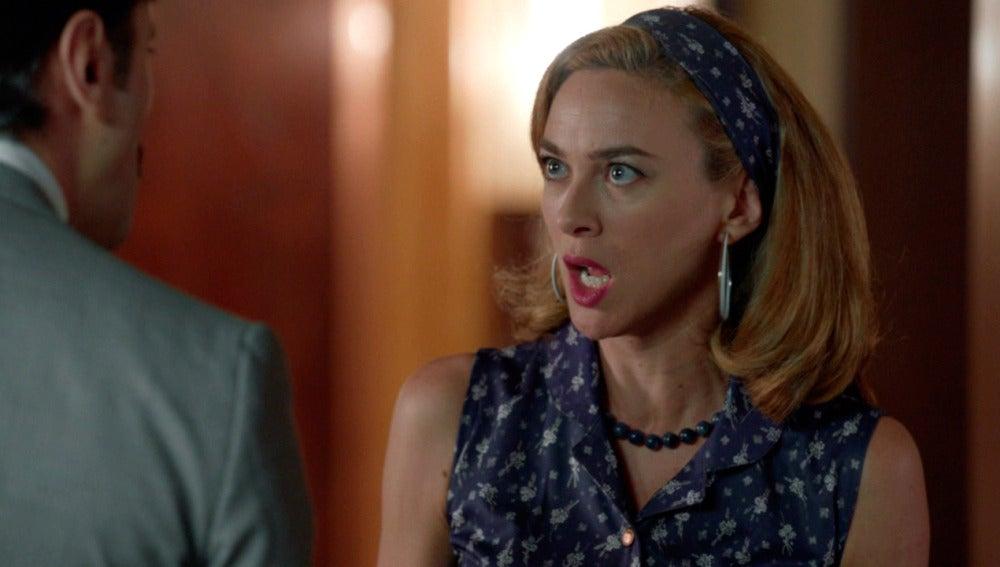 Mateo confiesa a Clara el secreto de Alberto