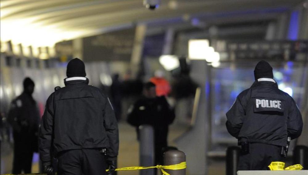 Tres heridos, uno de ellos en estado crítico, en un tiroteo en una universidad de EEUU