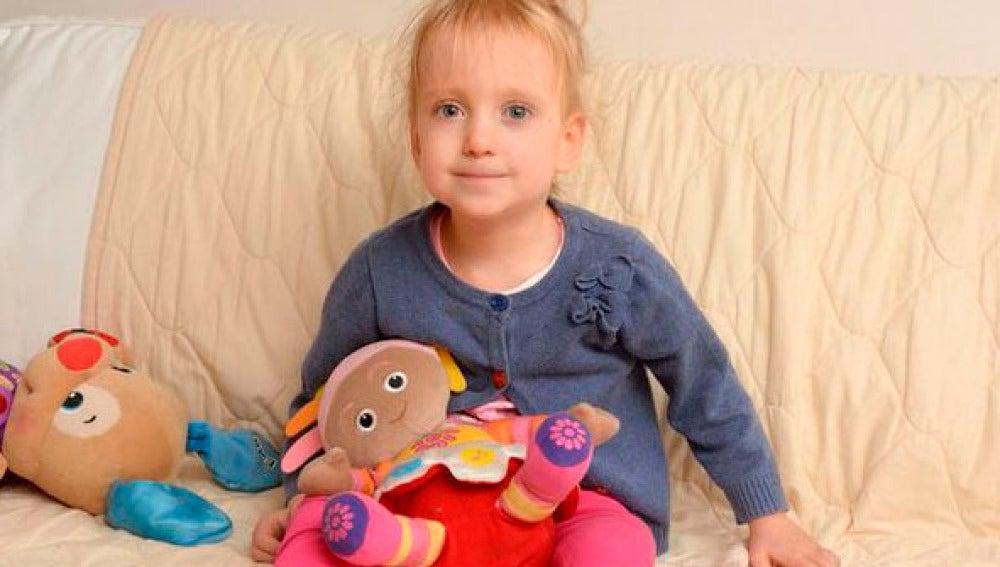 La pequeña Grace busca una familia para Navidad