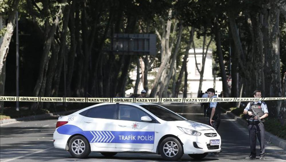 Agentes de la policía turca