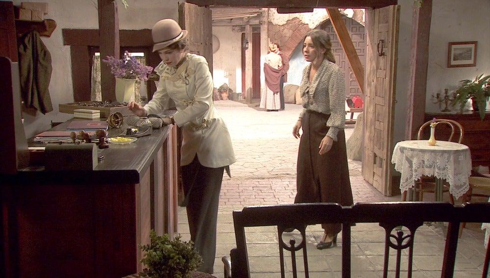 Emilia le plata cara a Hortensia