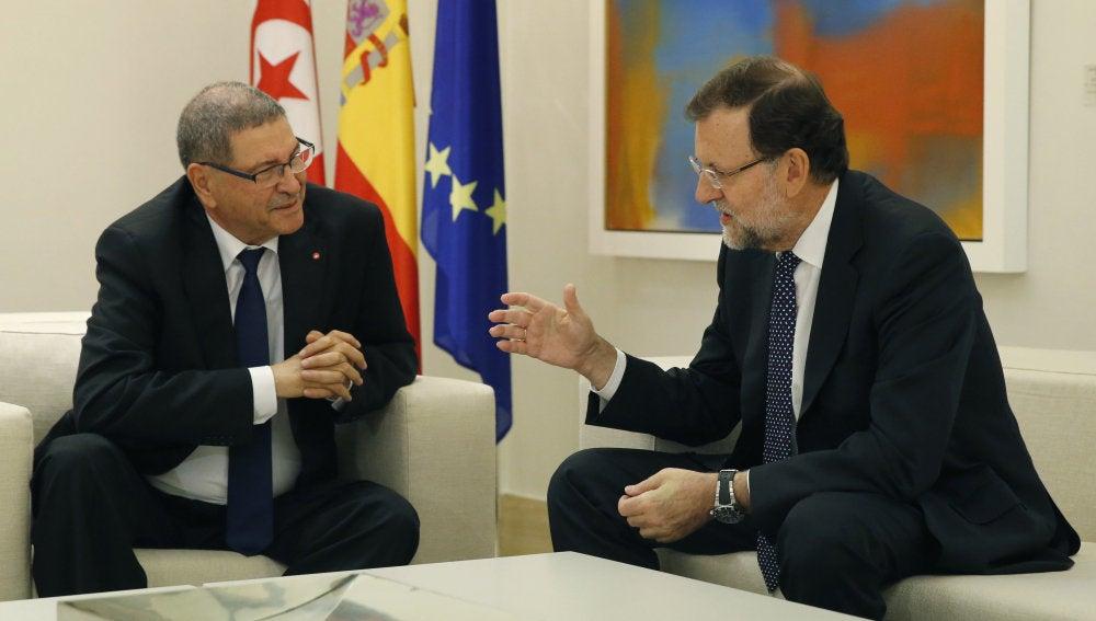 Rajoy recibe al primer ministro de Túnez