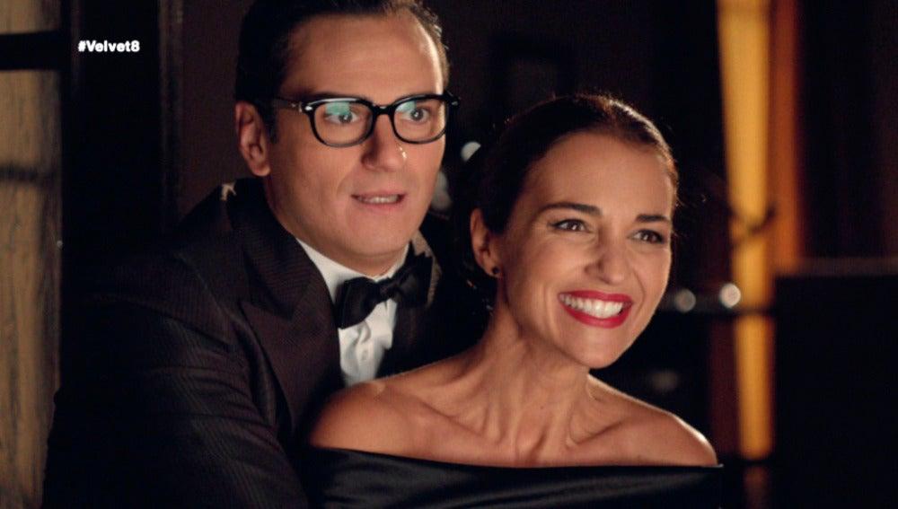 El desfile de la colección Día y Noche de Raúl de la Riva y Ana Rivera ha sido todo un éxito