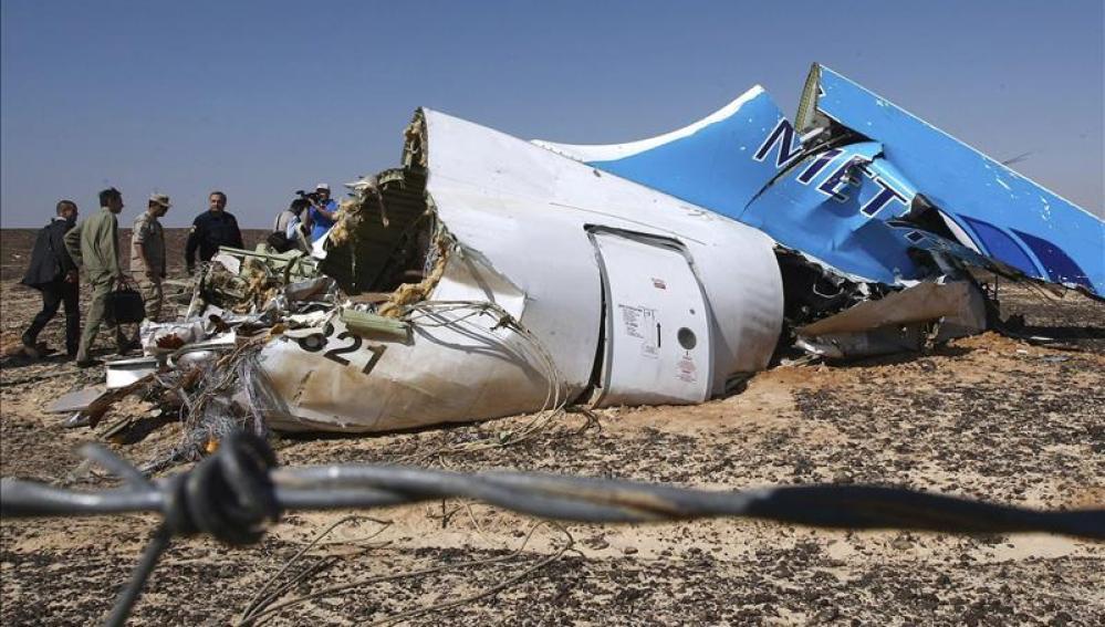 Fuselaje del avión siniestrado en el Sinaí