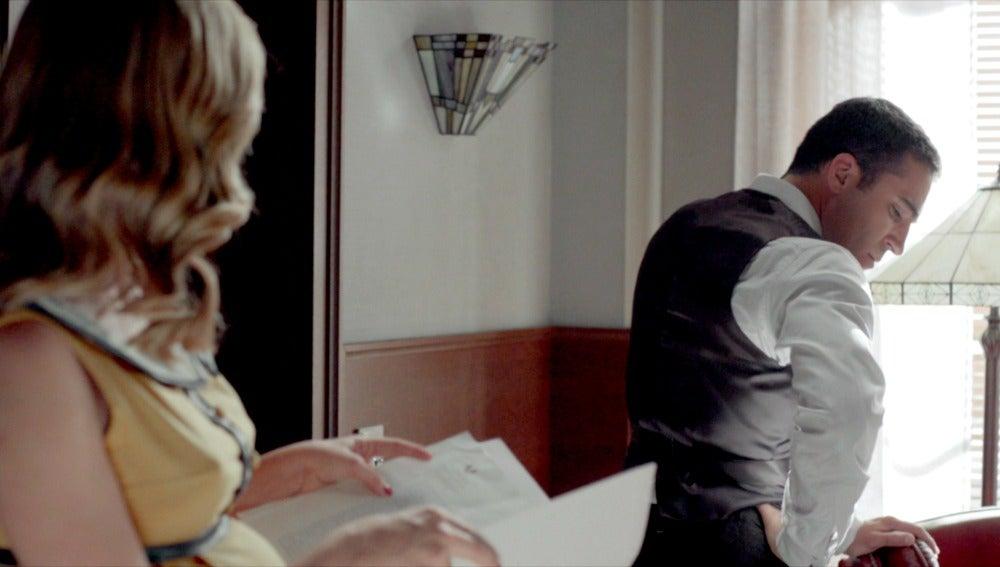 Cristina y Alberto discuten en el despacho