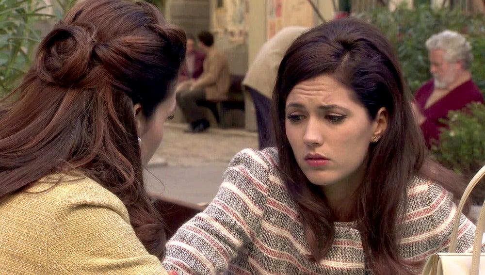 Adela y Sofía preocupadas por las intenciones de Tomás