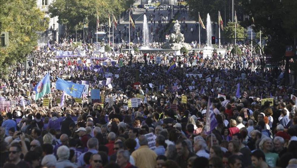 Madrid se llena de gente por la marcha contra la violencia de género