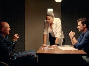 Héctor interroga a Barislav