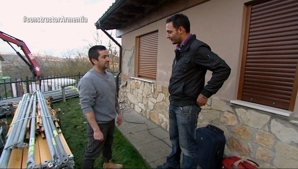 Jorge, afectado por un constructor a la fuga, habla con Antonio