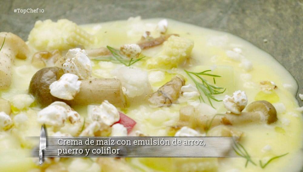 Crema de maíz con emulsión de arroz, puerro y coliflor