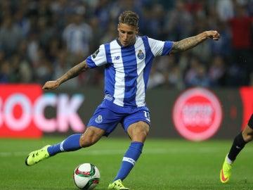 Cristian Tello, durante un partido con el Oporto