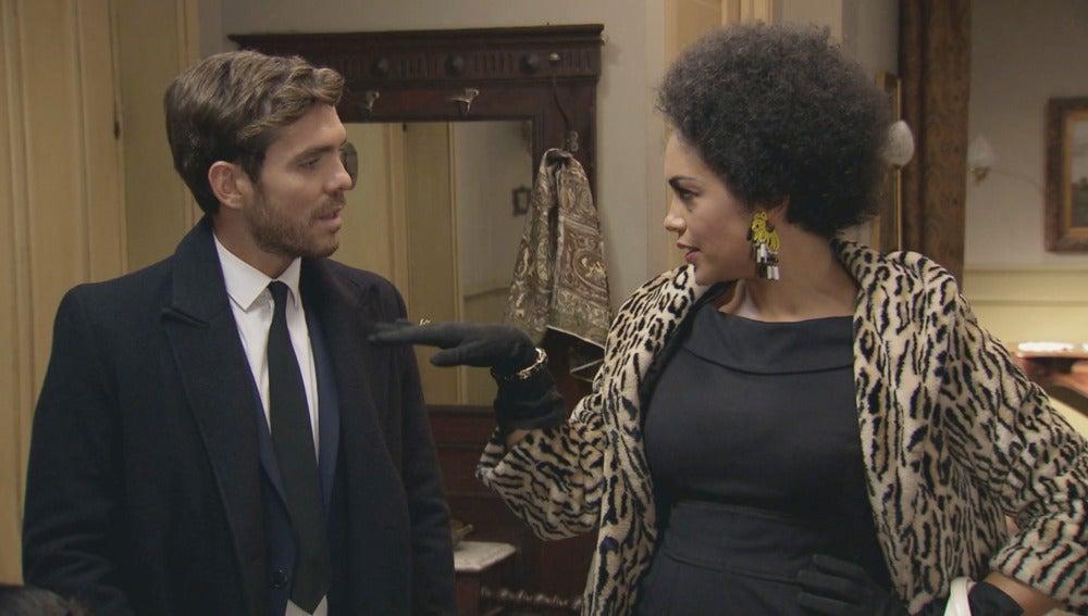 Miguel contrata a Dalila para el Café Reyes