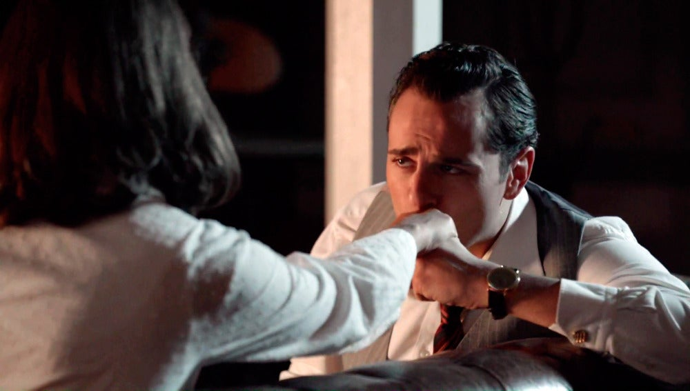 Raúl se disculpa con Ana