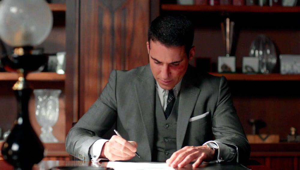 Alberto firma con Enzo y pierde las galerías