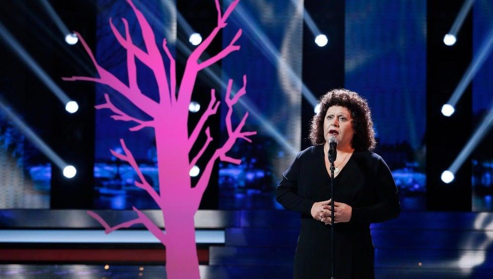 Falete vive 'La vie en rose' con su imitación de Edith Piaf