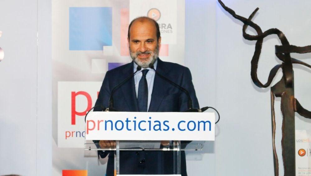 Javier Bardají recibe el premio a Mejor Directivo de Televisión