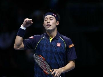 Kei Nishikori celebra su victoria ante Berdych