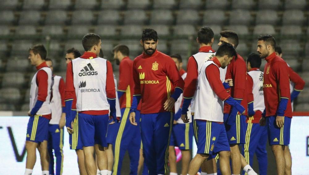 La selección española, entrenando en Bruselas