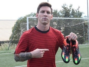 Leo Messi, con sus nuevas zapatillas