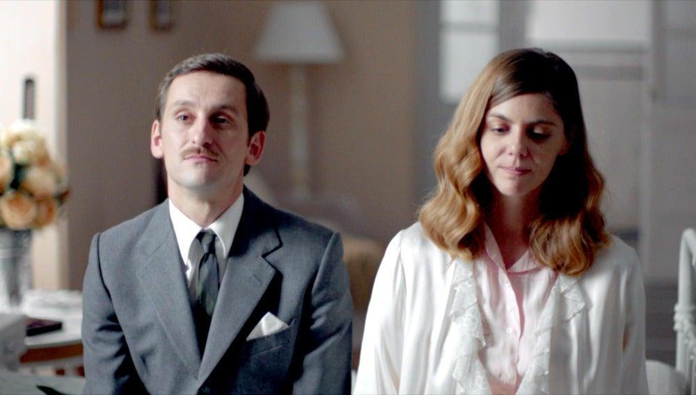 Víctor le anuncia a Cristina que se casa