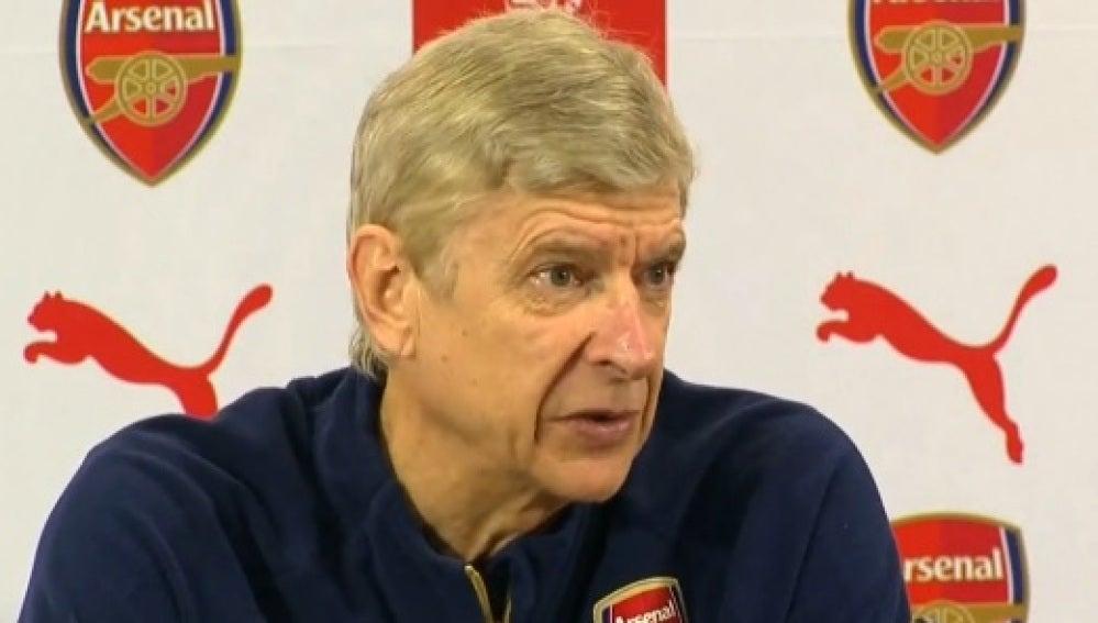 Arsene Wenger, en rueda de prensa