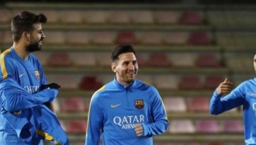 Messi, Piqué y Neymar, en el entrenamiento del Barcelona