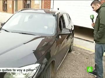 Marta Domínguez, saliendo de su domicilio
