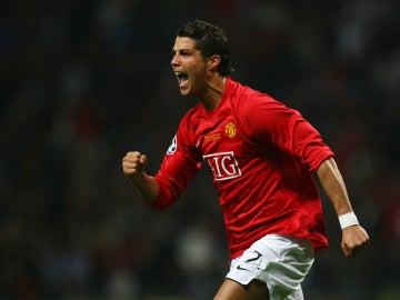 Cristiano Ronaldo celebra un gol con el Manchester United