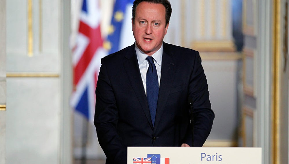 David Cameron, primer ministro británico, en el Elíseo