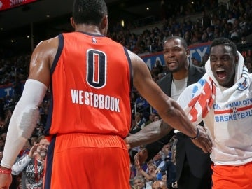 Westbrook celebra la victoria ante Dallas