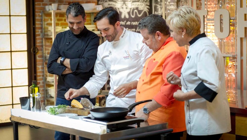 Mario Sandoval visita las cocinas de Top Chef