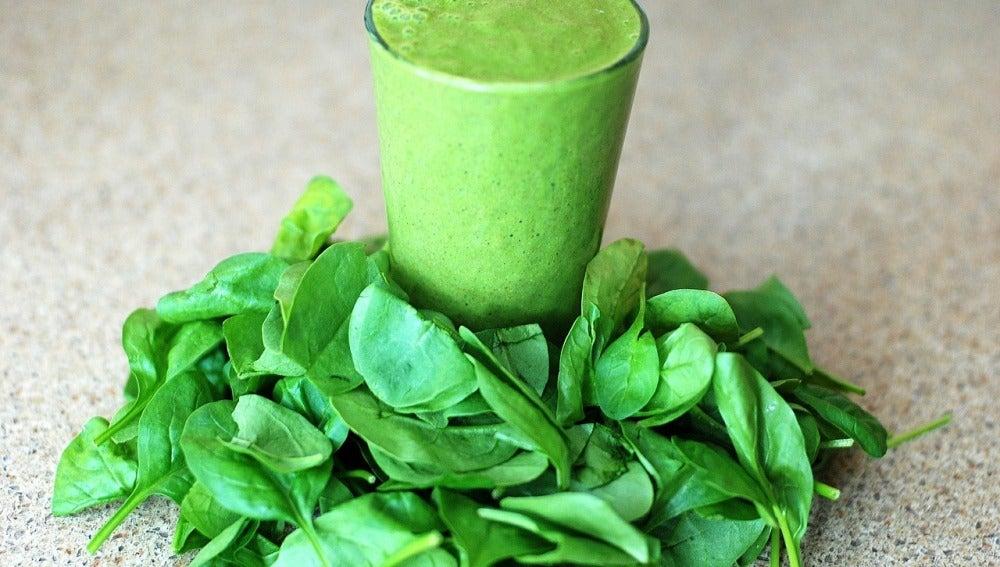 Un zumo verde con ojos, bueno, pero no milagroso.