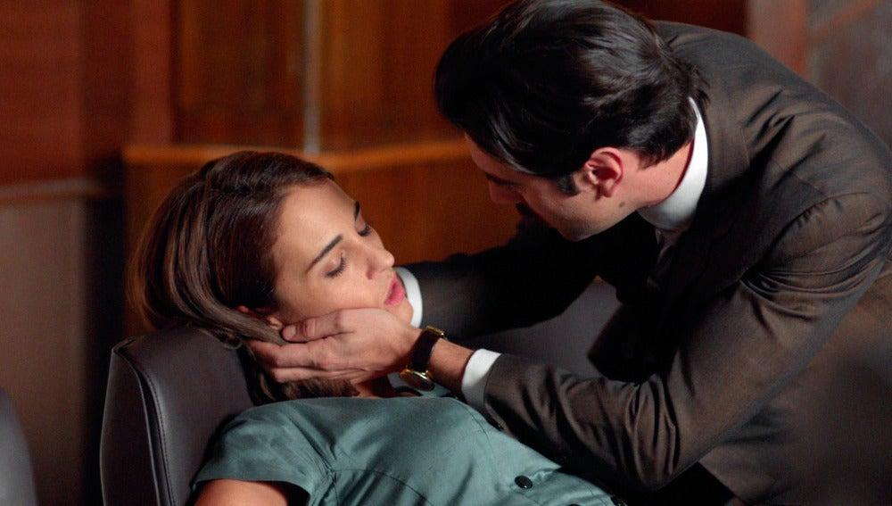 Ana se desmaya en plena reunión con Enzo Cafiero