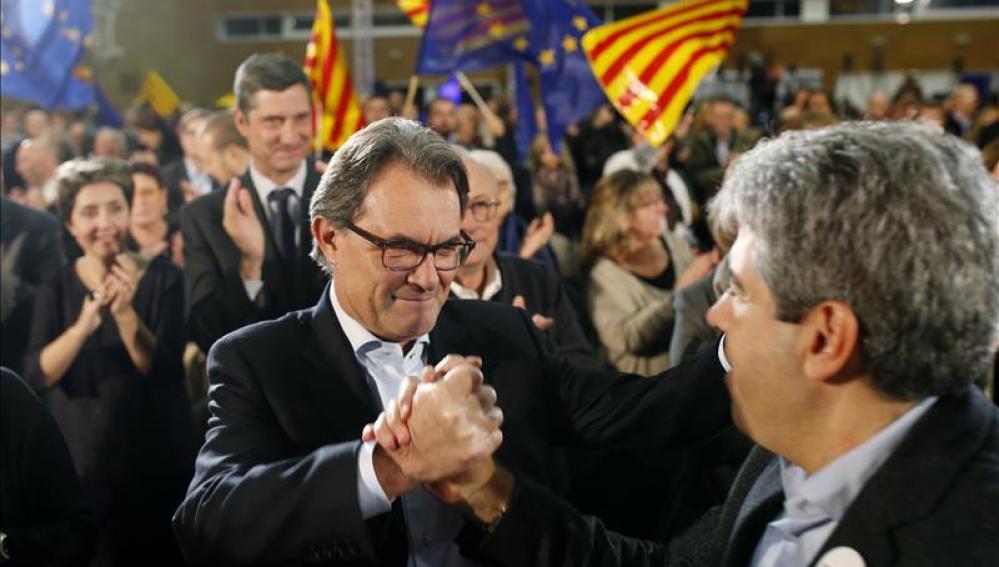 Mas inicia su campaña electoral en Cataluña