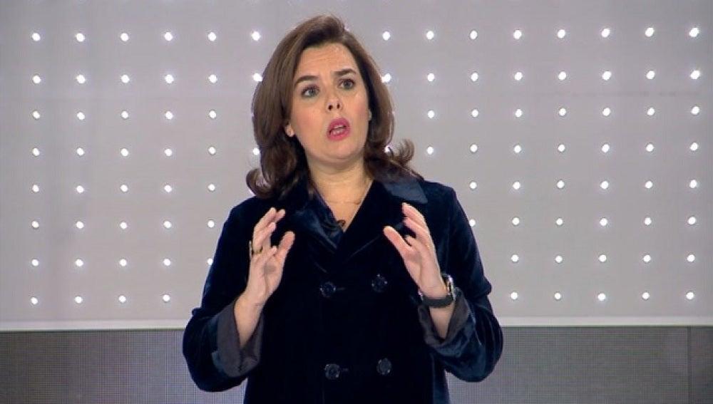 Soraya Sáenz de Santamaría se emociona al habla de violencia de género